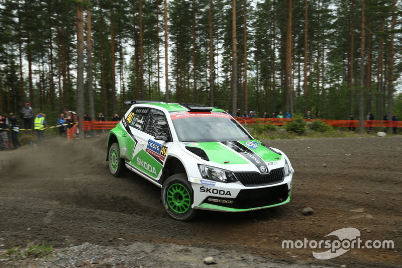 pontus tidemand e emil axelsson skoda motorsport skoda fabia r5 a rally di finlandia wrc foto. Black Bedroom Furniture Sets. Home Design Ideas