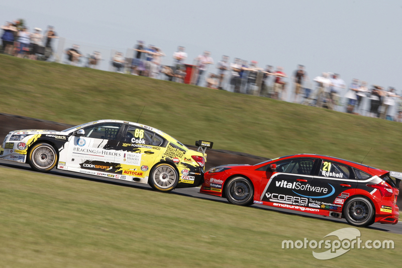 josh cook power maxed racing and mike bushell amd at snetterton btcc photos. Black Bedroom Furniture Sets. Home Design Ideas
