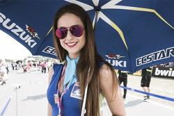 MotoGP 2015 Motogp-czech-gp-2015-gridgirl-of-aleix-espargaro-team-suzuki-motogp