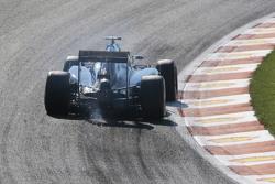 Marcus Ericsson, Sauber C34 sends sparks flying