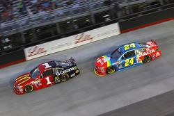 Jamie McMurray, Chip Ganassi Racing Chevrolet and Jeff Gordon, Hendrick Motorsports Chevrolet