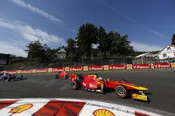 Start: Jordan King, Racing Engineering leads