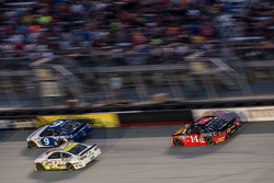 Sam Hornish Jr., Richard Petty Motorsports Ford, Tony Stewart, Stewart-Haas Racing Chevrolet, Josh Wise