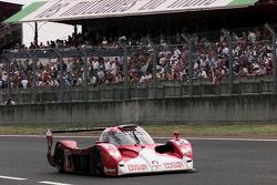 #2 Toyota Motorsport Toyota GT-One: Allan McNish, Thierry Boutsen, Ralf Kelleners