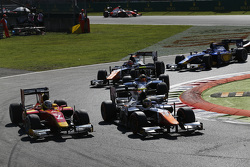 Johnny Cecotto, Trident leads Jordan King, Racing Engineering and Artem Markelov, RUSSIAN TIME