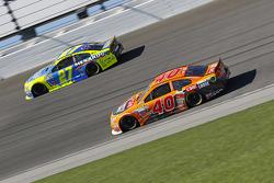 Landon Cassill, Hillman Circle Sport LLC Chevrolet and Paul Menard, Richard Childress Racing Chevrolet