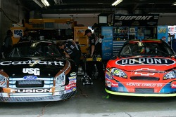 Points leaders Matt Kenseth and Jeff Gordon work side by side in the garage