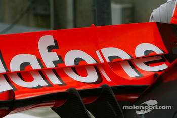 McLaren Mercedes, MP4-22, rear wing detail