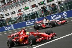 Race start, Felipe Massa, Scuderia Ferrari, Lewis Hamilton, McLaren Mercedes