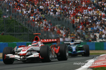 Takuma Sato, Super Aguri F1, SA07 and Jenson Button, Honda Racing F1 Team, RA107