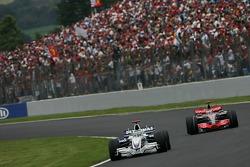 Nick Heidfeld, BMW Sauber F1 Team, F1.07 and Fernando Alonso, McLaren Mercedes, MP4-22