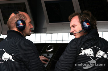 Adrian Newey, Red Bull Racing, Technical Operations Director and Christian Horner, Red Bull Racing, Sporting Director on the pitwall