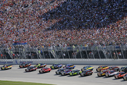 Start: Casey Mears and Martin Truex Jr. lead the field