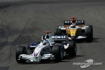 Nick Heidfeld, BMW Sauber F1 Team and Giancarlo Fisichella, Renault F1 Team