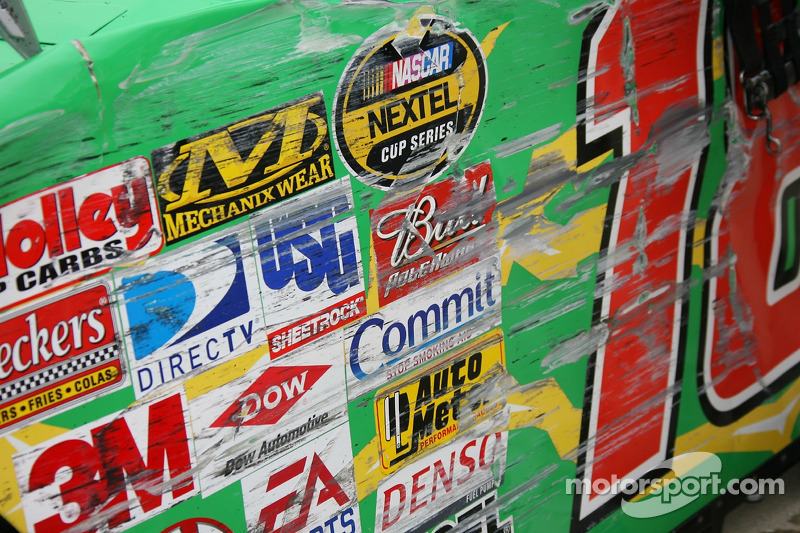 Damage on the car of J.J. Yeley