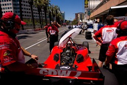 RSPORTS team prepare car for Justin Wilson