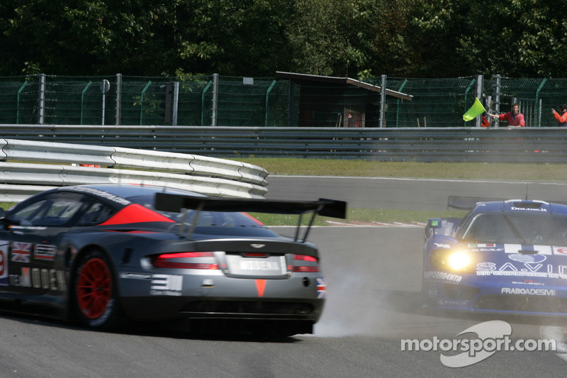 #59 Team Modena Aston Martin DBR9: Antonio Garcia, Christian Fittipaldi spins in les Combes