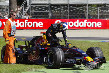 David Coulthard, Red Bull Racing, RB3, stopped on track