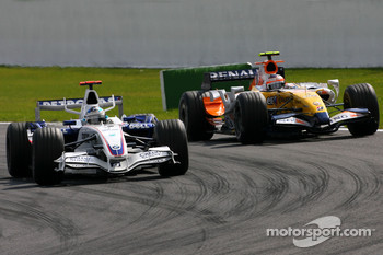 Nick Heidfeld, BMW Sauber F1 Team , Heikki Kovalainen, Renault F1 Team