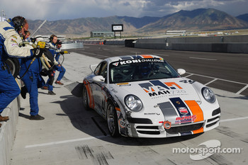Pitstop for #49 Marcus Motorsports Porsche 997: Spencer Pumpelly, Jim Lowe, Darren Law