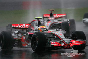 Lewis Hamilton, McLaren Mercedes, Alexander Wurz, Williams F1 Team