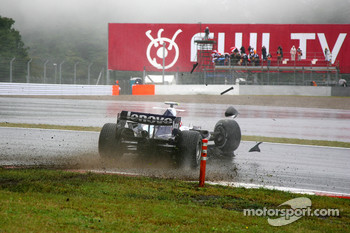 Alexander Wurz, Williams F1 Team, FW29, crashes