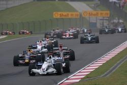 Nick Heidfeld, BMW Sauber F1 Team, F1.07 and Mark Webber, Red Bull Racing, RB3
