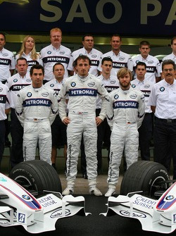 BMW Sauber F1 Team group picture: Timo Glock, Test Driver, BMW Sauber F1 Team, Robert Kubica,  BMW Sauber F1 Team and Nick Heidfeld, BMW Sauber F1 Team
