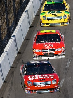 Carl Edwards leads Elliott Sadler and Matt Kenseth