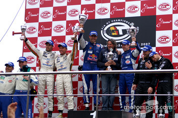 GT1 podium: class and overall winners Karl Wendlinger and Ryan Sharp, second place Anthony Kumpen and Bert Longin, third place Michael Bartels and Thomas Biagi, Citation Cup 2007 champion Ben Aucott celebrates with Stéphane Daoudi