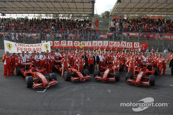 Scuderia Ferrari group shot