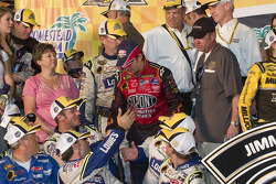 Championship victory lane: Jeff Gordon congratulates the Lowe's Chevy crew