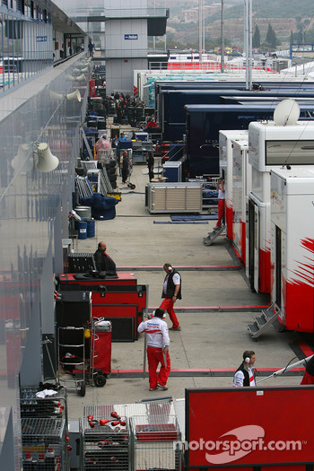 Teams pack up in the paddock
