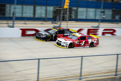 Kevin Harvick, Stewart-Haas Racing Chevrolet and Martin Truex Jr., Furniture Row Racing Chevrolet