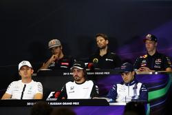 Carlos Sainz Jr., Scuderia Toro Rosso; Romain Grosjean, Lotus F1 Team; Daniil Kvyat, Red Bull Racing; Nico Rosberg, Mercedes AMG F1; Fernando Alonso, McLaren; Felipe Massa, Williams10.2015. Formula 1 World Championship, Rd 15, Russian Grand Prix, Sochi Aut
