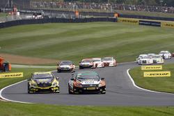 Aron Smith, Team BMR Volkswagen CC and Adam Morgan, WIX Racing Mercedes Benz A-Class
