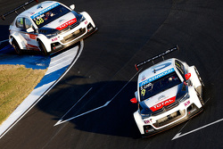Sébastien Loeb, Citroën C-Elysée WTCC, Citroën World Touring Car team and Yvan Muller, Citroën C-Elysée WTCC, Citroën World Touring Car team