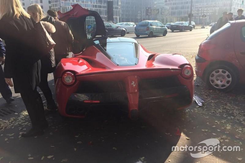 LaFerrari crash in Boedapest