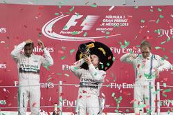Podio: Primer lugar Nico Rosberg, Mercedes AMG F1, Segundo Lugar Lewis Hamilton Mercedes AMG F1 y el tercer lugar Valtteri Bottas Williams F1 Team