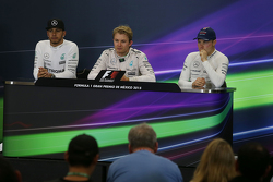 The post race FIA Press Conference: Second place Lewis Hamilton, Mercedes AMG F1, race winner Nico Rosberg, Mercedes AMG F1 and third place Valtteri Bottas, Williams