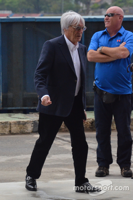 Ecclestone visita la pista de Interlagos