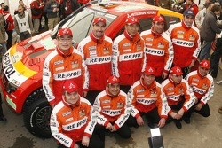 Repsol Mitsubishi Ralliart Team: Nani Roma and Lucas Cruz Senra, Luc Alphand and Gilles Picard, StÈphane Peterhansel and Jean-Paul Cottret, Hiroshi Masuoka and Pascal Maimon with team director Dominique Serieys