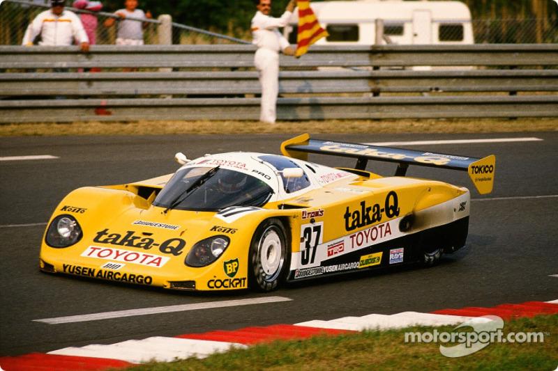 37 Toyota Tom S Team Toyota 89 Cv Johnny Dumfries Geoff