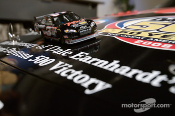 Unveiling of the commemorative car to celebrate the 10th anniversary of Dale Earnhardt's Daytona 500 win: the miniature and the car
