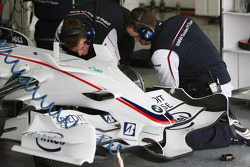 BMW Sauber F1 Team, Mechanics at work