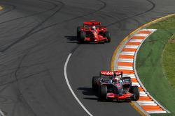 Heikki Kovalainen, McLaren Mercedes, Kimi Raikkonen, Scuderia Ferrari