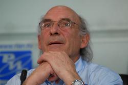 Sports Director René Metge