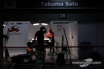 Night atmosphere, Takuma Sato, Super Aguri F1 Team