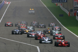 Start: Felipe Massa, Scuderia Ferrari, F2008 and Robert Kubica, BMW Sauber F1 Team, F1.08