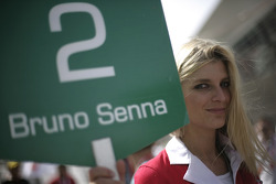 Grid girl for Bruno Senna